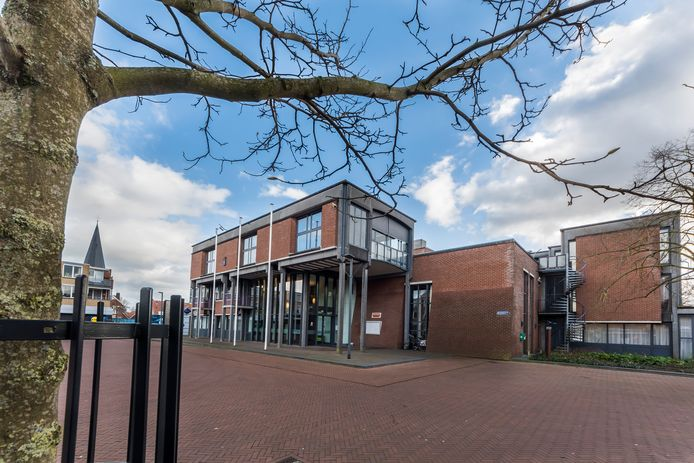 De plannen voor het gemeentehuis zijn nogal ingrijpend en worden daarom doorgeschoven naar volgend jaar.