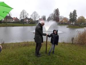 Luc (9) heeft eindelijk 'zijn' fontein na handtekeningenactie