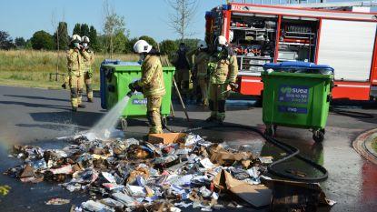 Papiercontainer naast Triamant vat vuur