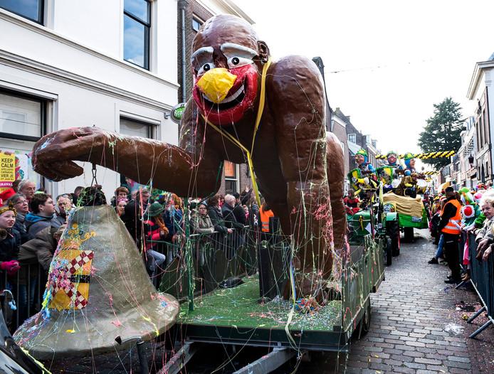 Kees de aap gaat traditioneel aan kop van de IJsselsteinse optocht.