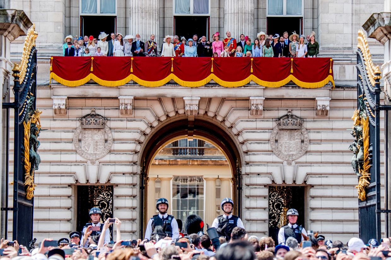 De Britse koninklijke familie op het balkon van Buckingham Palace in 2017. Beeld ROBIN UTRECHT
