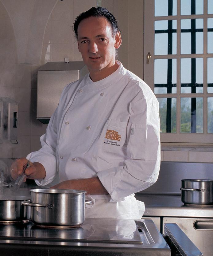 Chef-kok André van Doorn vertrekt per 1 juli bij restaurant Kasteel Heemstede in Houten.