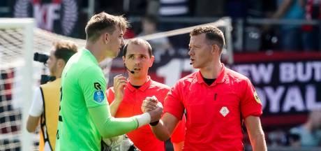 Willem II-doelman Woud richt zich op in de schaduw van de Kuip