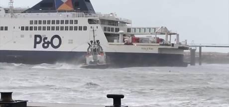 Gestrande veerboot Calais weer los