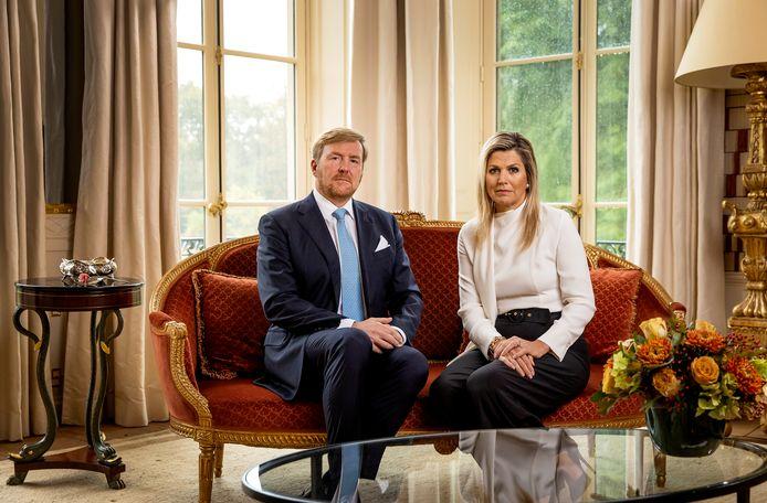 """Koning Willem-Alexander en koningin Máxima hebben """"met spijt in het hart"""" gereageerd op de ophef rondom hun afgebroken vakantie naar Griekenland."""