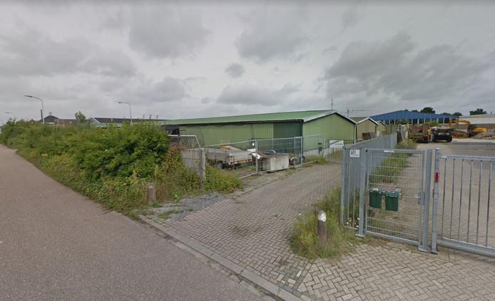 Het garageboxencomplex aan de Nijverheidsweg in Gendt.