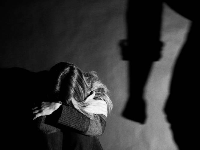 """12 maanden cel met uitstel voor vader die dochter muilkorfde, opsloot en sloeg: """"Hij wilde haar beschermen. Achteraf gezien op de foute manier"""""""