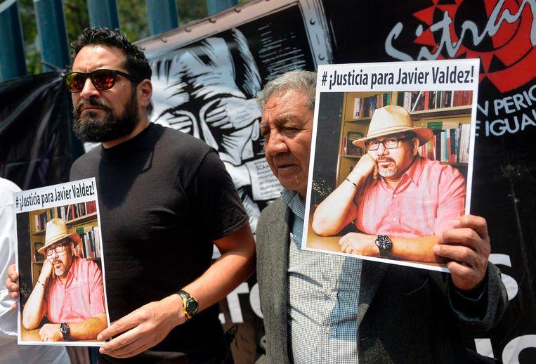 Journalisten demonstreren in Mexico-Stad na de moord op Javier Valdez. Beeld null