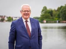 Profielschets voor nieuwe burgemeester officieel overhandigd