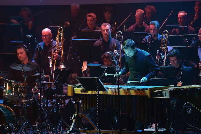 Grande finale van 750 jaar Roosendaal in de kring. Deel van het orkest. Foto Pix4Profs / Peter van Trijen