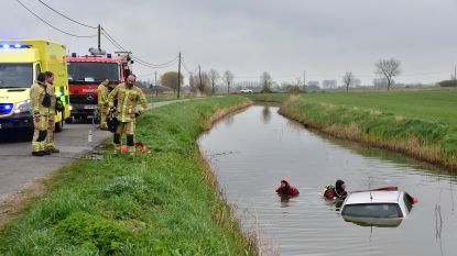 """Twintiger blijft koelbloedig na duik in vaart: """"Eerst auto laten vollopen, dan ontsnapt"""""""