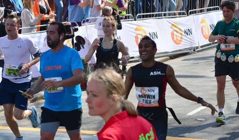 Alleen maar gelukkige gezichten aan de finish - of toch ongeveer