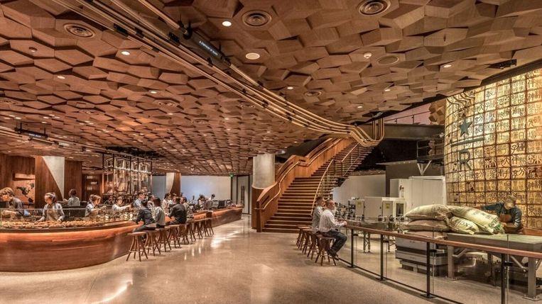 Het nieuwe Starbucks-filiaal in Shanghai.