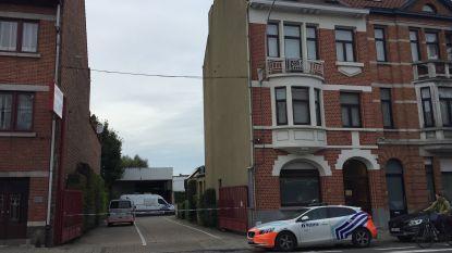 Man sterft na val door dak van bedrijf in Sint-Amandsberg