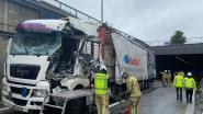 Bevrijdingstunnel opnieuw open nadat truck tegen wand was geknald