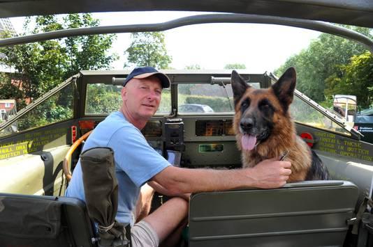 Ook hond MAX gaat mee.