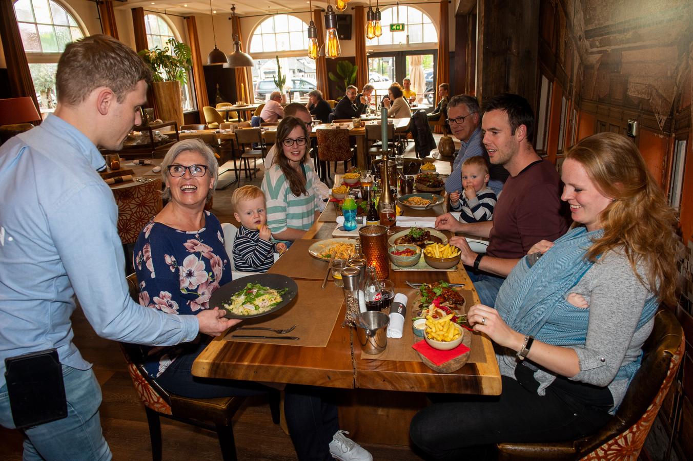 Brasserie Dertien in Heeten, van jong tot oud is welkom.