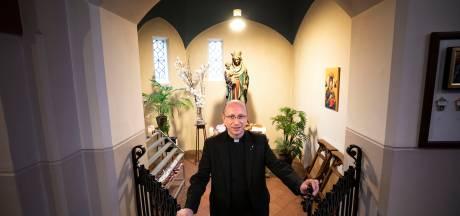Geldinzameling Mariakapel in Acht, Eindhoven: Pannenkoeken bij meneer pastoor