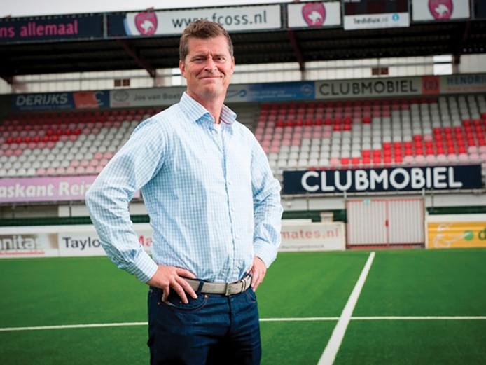 Algemeen directeur Peter Bijvelds van de club vond het belangrijk dat de fans van de club mochten stemmen voor het nieuwe logo.
