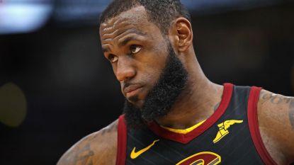 LeBron James leidt Cleveland met triple-double voorbij Bulls