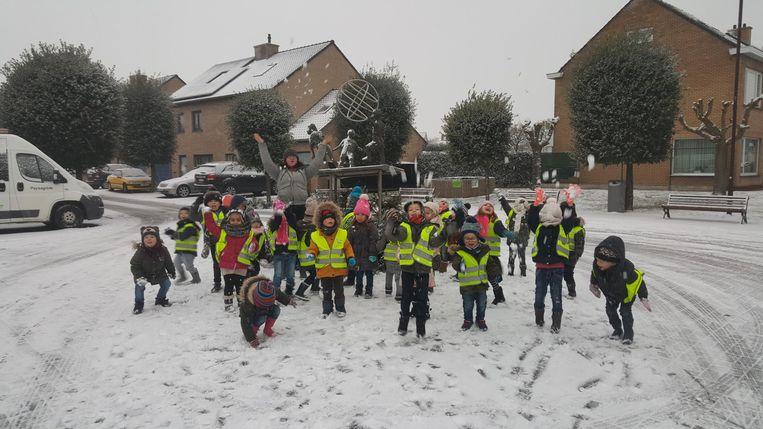 Sneeuwplezier bij basisschool Leerplaneet in Adinkerke