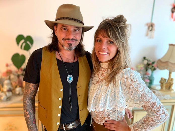 Patrick de Kok en zijn verloofde Angelique Piovillico. Ze hebben samen een nieuwe muziekproject: June Sixteen Music.