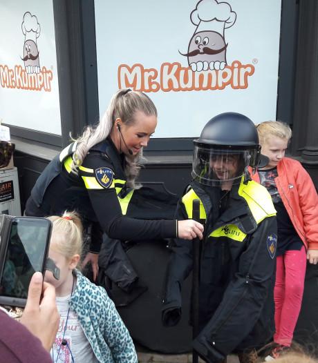 Politie slaat man in boeien bij Musis Arnhem - voor de lol