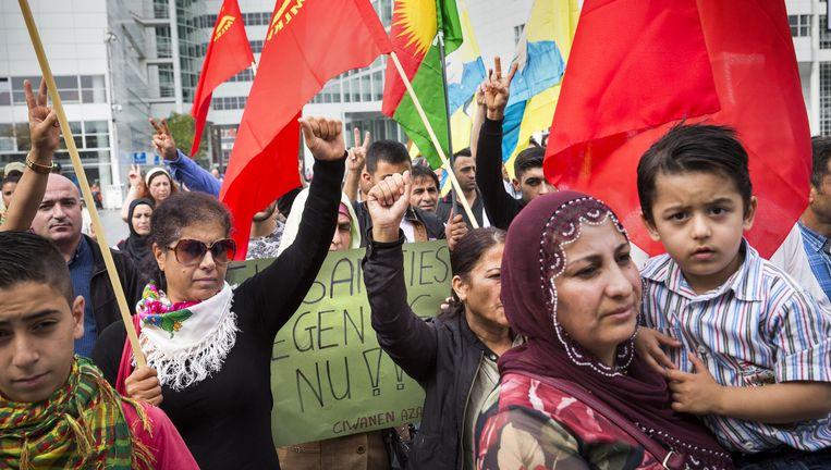 Spuiplein: sympathisanten van de Koerdische Arbeiders Vereniging. Beeld arie kievit
