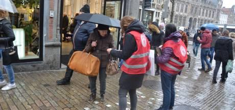 Campagne Rosa voert actie '14 euro voor iedereen' in Veldstraat
