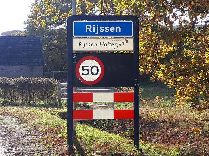 Staat er straks 'Riessen-Hooltn' als toevoeging op het bord van Rijssen-Holten?