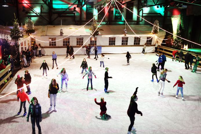 De ijsbaan in Raamsdonksveer.  Foto: Ramon Mangold
