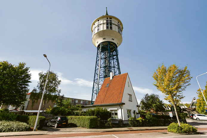 De watertoren aan de 's-Gravenpolderseweg in Goes.