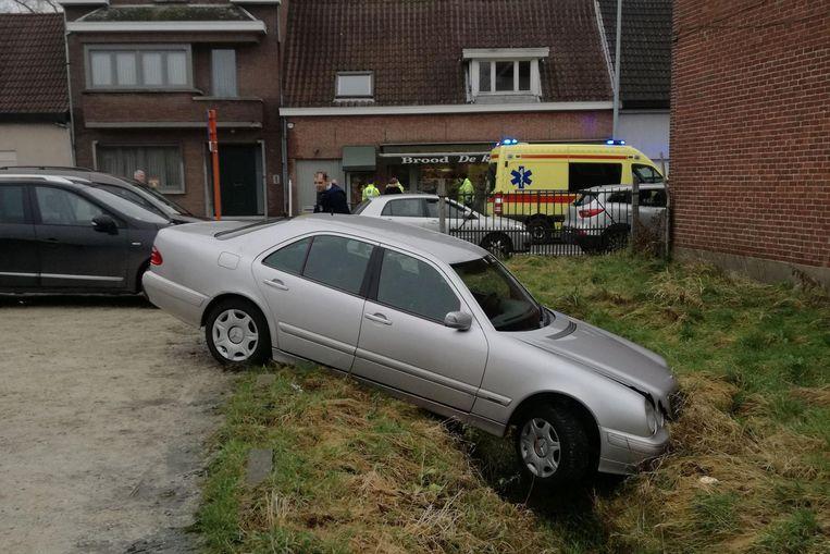 De schade aan de Mercedes was aanzienlijk.