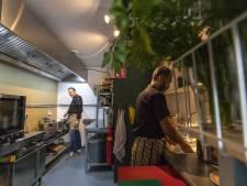 Enschedese restaurants bezorgen eten als noodgreep, maar het is lastiger dan het lijkt