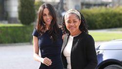 Queen nodigt moeder Meghan uit voor kerst
