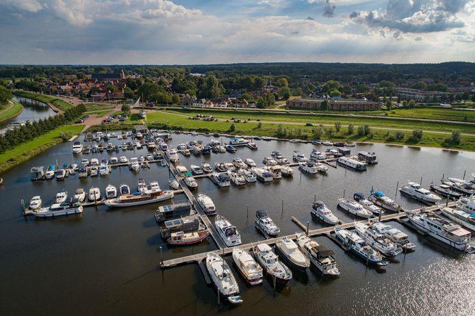 De gemeente Hattem wil beter in beeld krijgen of er sprake is van criminele activiteiten in de lokale jachthaven IJsseldelta Marina Hattem.