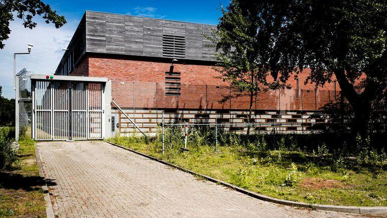 Exterieur van de voormalig jeugdgevangenis Amsterbaken, waar een Extra Begeleidings- en Toezichtslocatie komt. Beeld anp