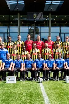 KNVB-beker ontbreekt nog op teamfoto Vitesse