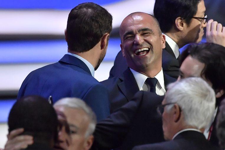Martínez dolde al meteen met Gareth Southgate, de Engelse bondscoach, na de loting in het Kremlin Palace.
