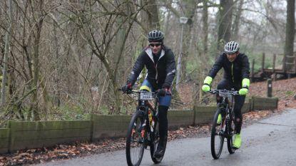 Funny Bikers verwelkomen 950 mountainbikers tijdens toertocht