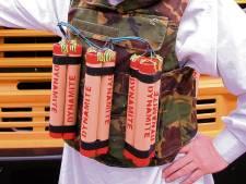 Man eist met bizar dreigement stagevergoeding in kapperszaak: 'Ik heb een bomgordel om!'