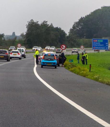 Hinder op A28 bij Putten na ongeluk met meerdere voertuigen voorbij