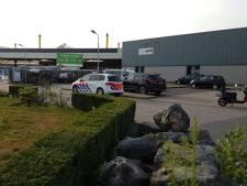 Man bevrijd uit machine in Veldhoven, met spoed naar het ziekenhuis gebracht