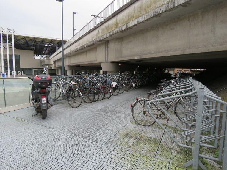 Fietsenstalling aan het station