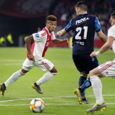 Ajax maakt geen foutjes meer