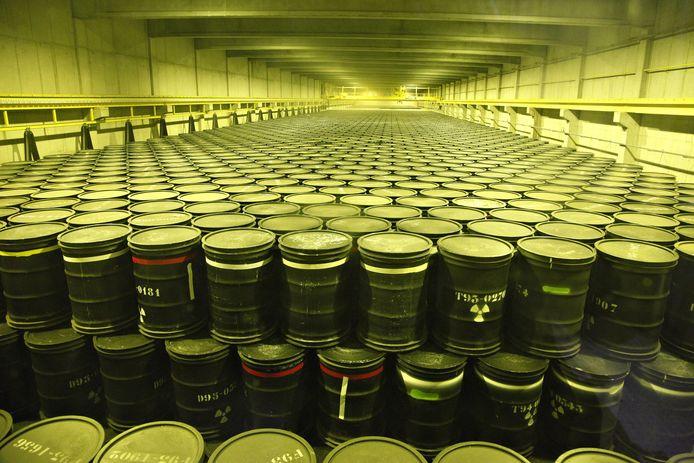 Laagradioactief afval wordt in ons land momenteel opgeslagen in een opslaggebouw van Belgoprocess in Dessel, in afwachting van de definitieve berging in bovengrondse bunkers van gewapend beton.