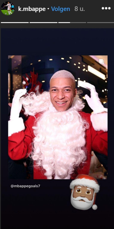 Mbappé als Kerstman.