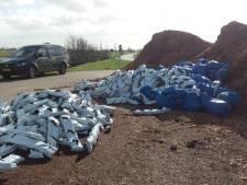 Grote berg drugsafval gedumpt langs Oudewaterse Damweg