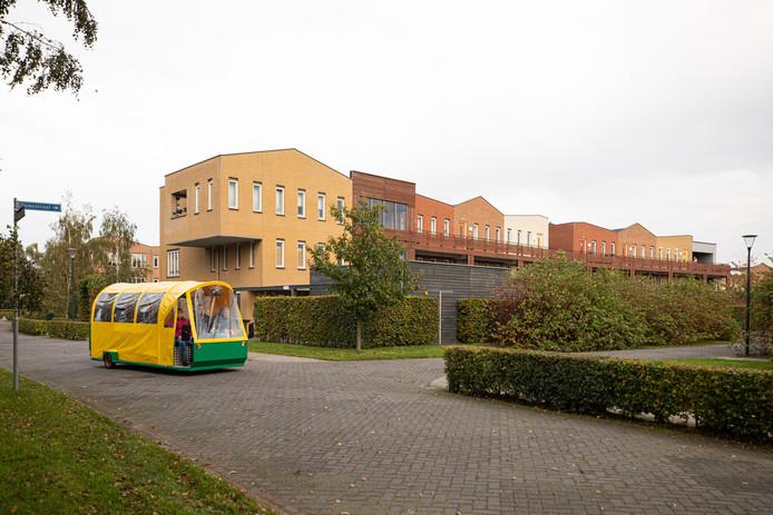 Nieuw appartementengebouw langs de Amstelstraat op het terrein van Sherpa aan de Zandheuvelweg.