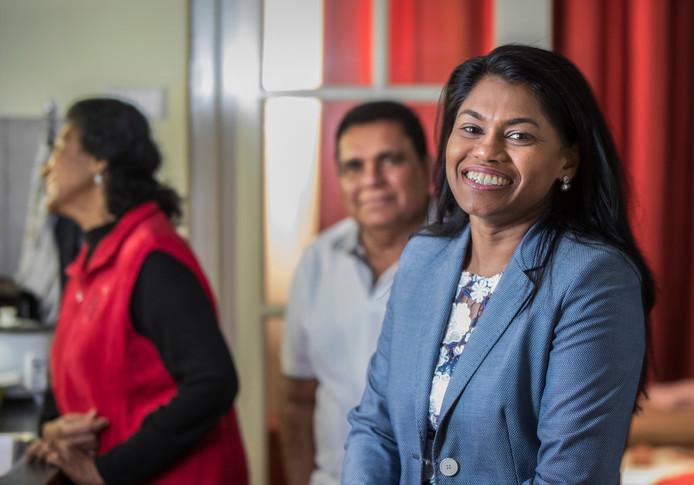 Wethouder Kavita Parbhudayal met haar vader en moeder.(Den Haag 19-03-19) Foto:Frank Jansen